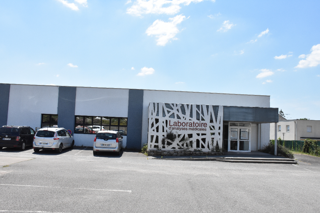 MUZILLAC centre, Local commercial de 484 m2