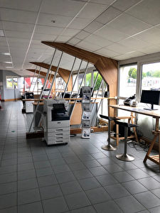 Local commercial Rennes 865 m2